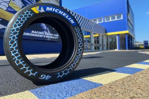 Michelinが開発した持続可能な材料比率を46%まで高めたレース用タイヤ