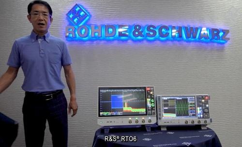 新製品の「R&S RTO6」(左側)と既存品の「R&S RTO2000」(右側)