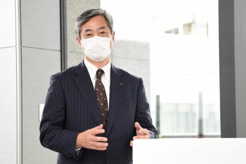 図4 みなとみらいイノベーションセンターの事業所長を務める村田製作所の川平博一氏