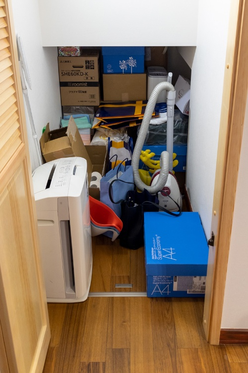 そして小部屋。階段下収納がイメージに近いのではないかと、そういうのをメモとして撮影していくようになった