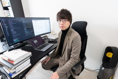 田辺悠介さん、現在は2社のスタートアップで働くほか、メンター(助言者)仲介サービスのMENTAを通じてプログラミングなどを教える