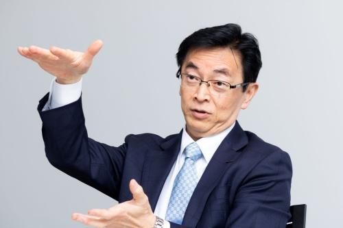 図2 パワートレーン開発を担当する平井俊弘氏