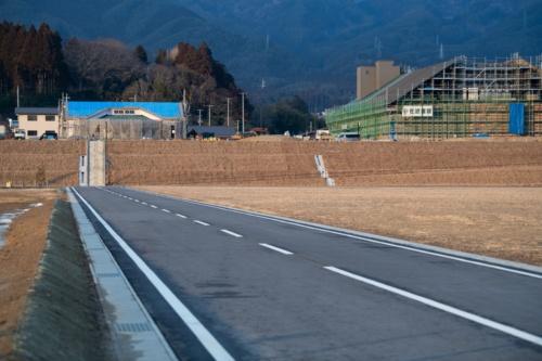 高田地区の盛り土造成地。2021年2月10日撮影(写真:村上 昭浩)