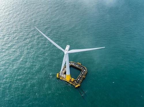 浮体式洋上風力発電設備の外観