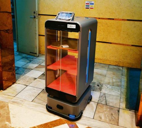 図4 中国Puduの配膳ロボット