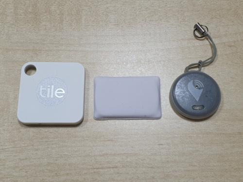 左からTile Mate、MAMORIO FUDA、TrackR pixel
