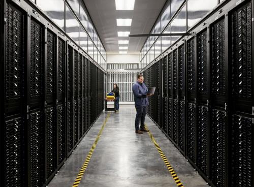 2014年以来、Appleのデータセンターの電力は、すべて100%再生可能エネルギーで賄われているという