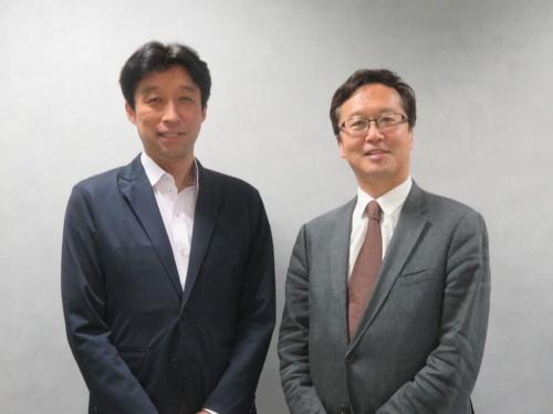 取締役CIOの蜷川新治郎氏(左)と代表取締役社長の龍宝正峰氏