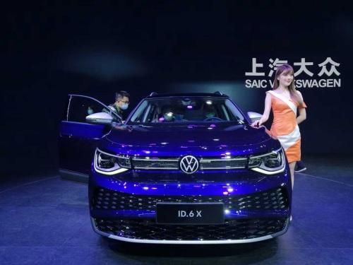 独VWが発表した新型EV「ID.6X」
