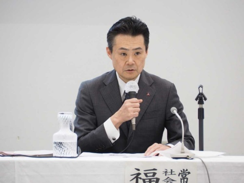記者会見時までのヒアリングの内容を説明する福嶋氏