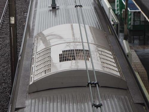 三菱電機製鉄道車両用空調装置(AU737形)