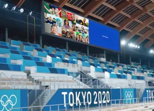 ソーシャルメディアを活用して、競技場のビデオボードで世界中から投稿された応援動画を放映する