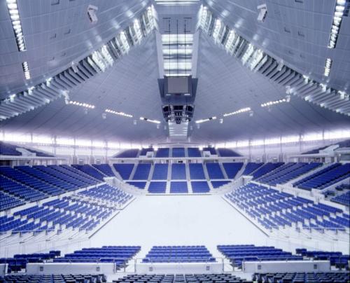 シンガポール・インドア・スタジアム(シンガポール)。1989年竣工。設計を丹下健三+都市・建築設計研究所が手掛けた(写真:丹下都市建築設計)