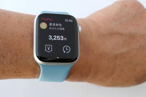 Apple Watchは「Apple Pay」が使えるほか、「PayPay」アプリをインストールして、QRコード決済も利用可能