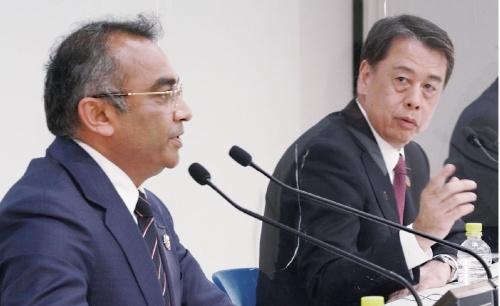 図1 日産自動車の社長兼CEOの内田誠氏(右)