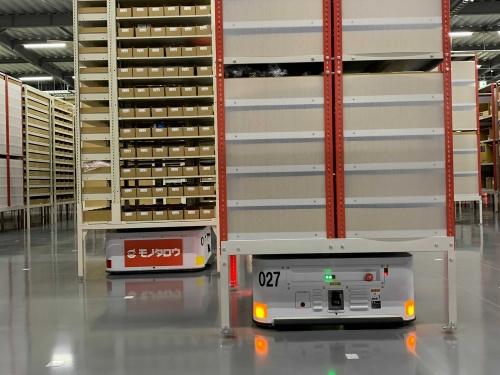 図2 ロボットによる商品の搬送