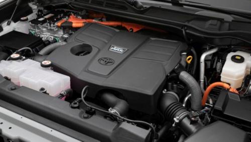 図2 TundraのHEVモデルのエンジン