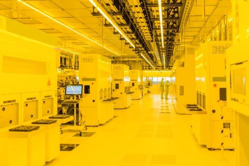 図2 ドレスデン工場のクリーンルーム