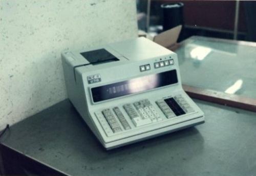 図1 4004シリーズを使ったNCR向けキャッシュレジスタ