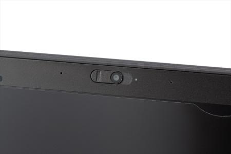 ノートパソコンの多くは、液晶ディスプレーの額縁部分にWebカメラとマイクを搭載している