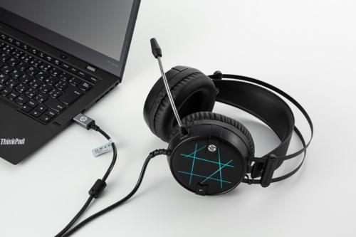 有線のヘッドホンはミニピンジャックとUSBの2種類。USBはパソコン専用と考えてよい。変換アダプターを付属することで、両方を兼ねる製品もある