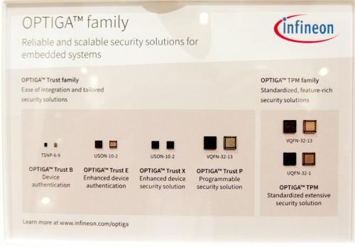 セキュアーエレメント製品「OPTIGA」の例。今回の新製品は左から3番目の「OPTIGA Trust X」。日経 xTECHが撮影