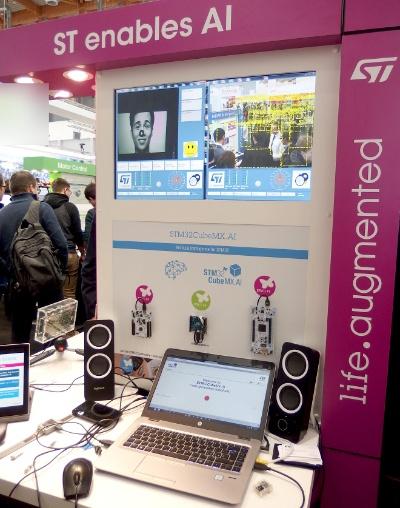 「STM32CubeMX.AI」を展示していたコーナー。日経 xTECHが撮影。