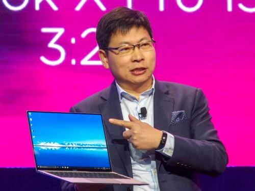 写真1●「MateBook X Pro」を発表するファーウェイ コンシューマー事業部門CEOのリチャード・ユー氏(撮影:山口 健太、以下同じ)