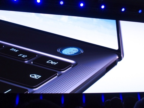 写真4●電源ボタンに指紋センサーを搭載
