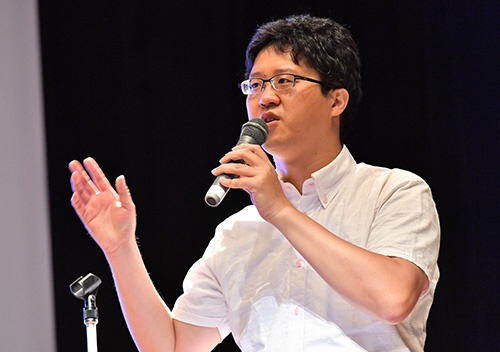 図1●メディアスケッチ代表取締役でサイバー大学客員講師の伊本貴士氏