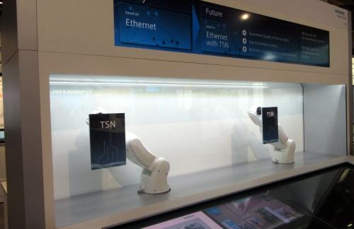 SiemensによるOPC UA TSNのデモ。
