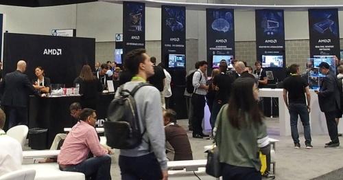 AMDのブース。日経 xTECHが撮影