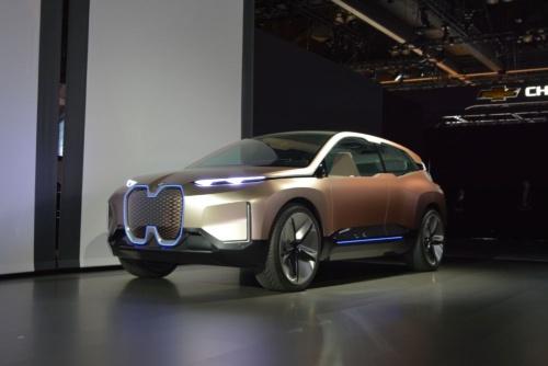 図1 BMWが世界初公開したコンセプトカー「Vision iNEXT」