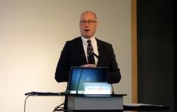 CC-Link協会欧州支部のGeneral ManagerであるJohn Browett氏がCC-Link IE TSNを紹介した