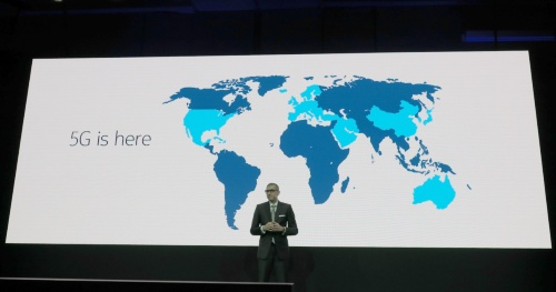 5Gの展開地域が広がっていることを示し「5Gはここにある」とアピール