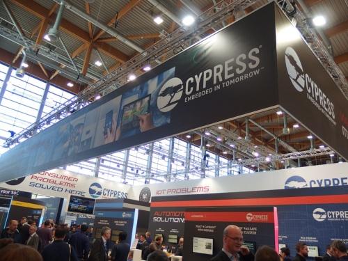Cypressのブース。日経 xTECHが撮影