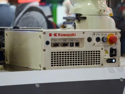 RS007のデモで使った新型の「Fコントローラー」