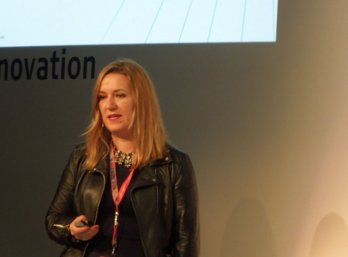 IHS MarkitのExecutive Director of Media, Service Providers & PlatformsのMaria Rua Aguete氏(写真:日経 xTECH)