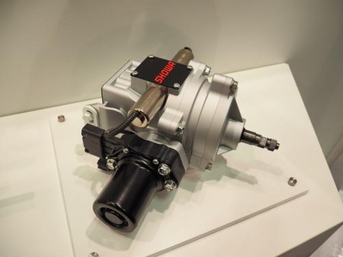 図2 ショーワのSBWS(ステア・バイ・ワイヤシステム)に搭載する反力アクチュエーター