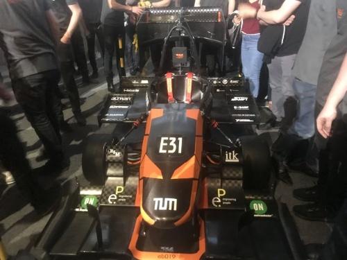 図2 ドイツのミュンヘン工科大学のレーシングチーム「TUfast Racing Team」が開発した2019年シーズン向けの車体
