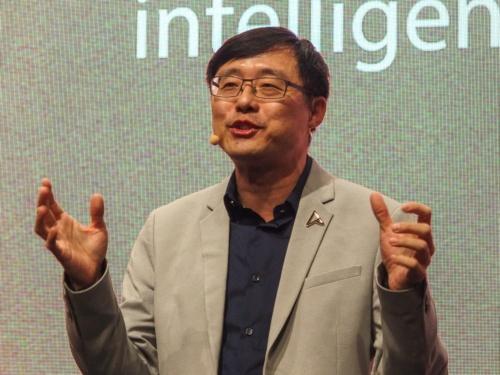 写真1●ASUS 共同CEOのS.Y. Hsu氏