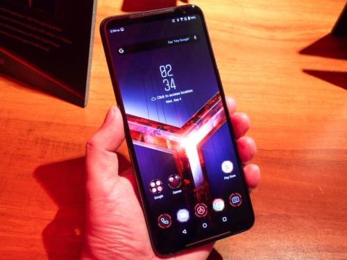 写真2●ROG Phone II