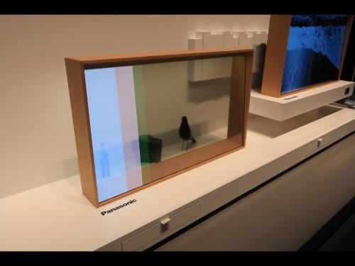パナソニックが開発した透明有機ELディスプレー