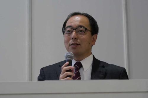 国土交通省住宅局建築指導課の高木直人氏(写真:新関 雅士)