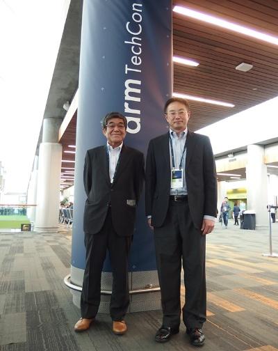 Renesas Electronics Americaの伊藤栄氏とDarl Khoo氏。日経 xTECHが撮影