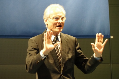 ドイツ工学アカデミー理事会議長のヘニング・カガーマン氏