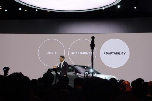 VISION-Sで重視する3つのテーマ「安全性(Safety)」「エンターテインメント(Entertainment)」「適応性(Adaptability)」(ソニーの資料を日経 xTECHが撮影)