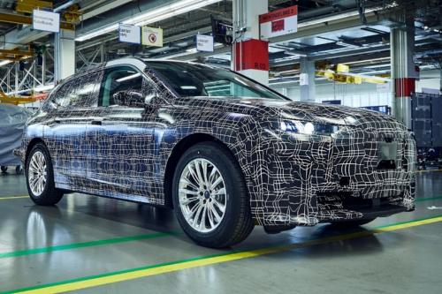 図1 BMWが2021年に投入する「iNEXT」の試作車
