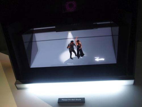 ライトフィールドディスプレーにダンスシーンを映した状態