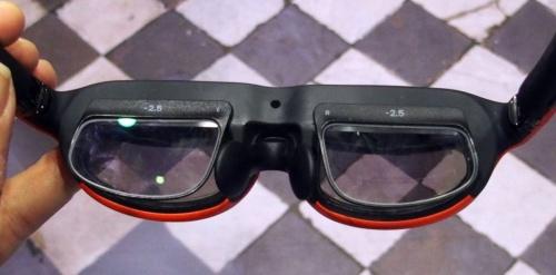 「Nreal Light」に視力矯正用レンズを取り付けられる